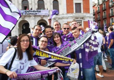 2012 - Peñistas celebrando el ascenso en la Plaza Mayor