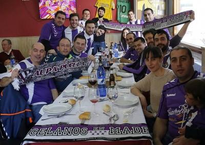 2016 - Comida prepartido en el Mesón Qachito de Alcorcón